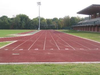 pista di atletica e tribunte